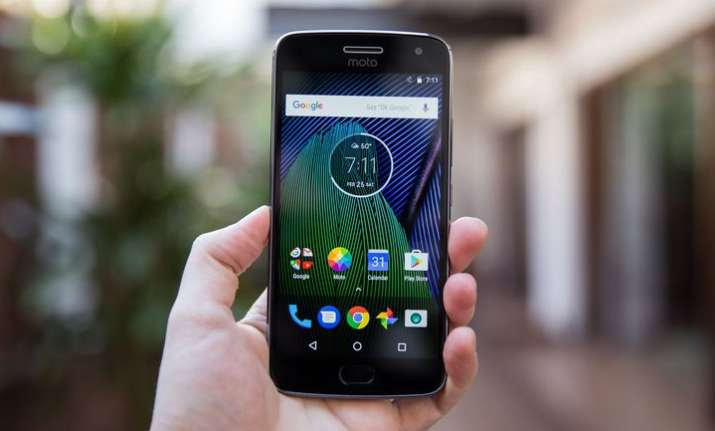 Verizon Moto Z2 Force Owners are Receiving Update to Oreo