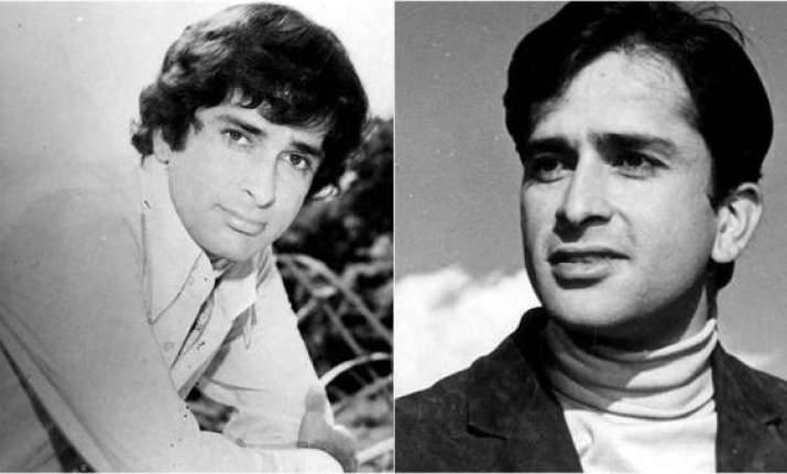 Shashi Kapoor wrapped in tricolour for last rites, gets