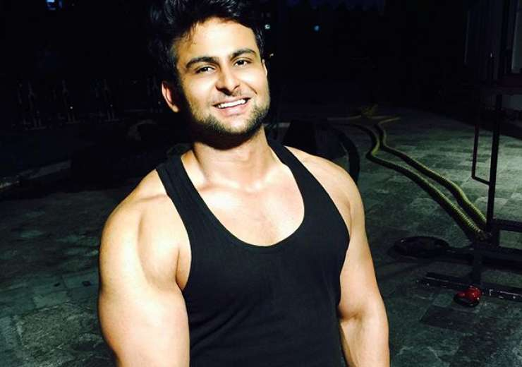 Besides good looks, the comedian is a fitness freak. - India Tv