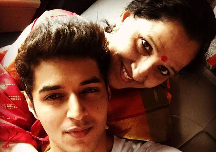 Siddharth is a sweet mama's boy - India Tv