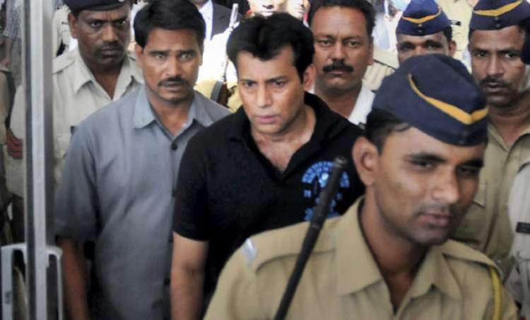 2 convicts of 1993 Mumbai blasts sentenced to death