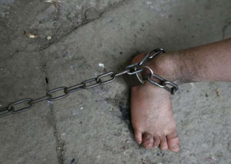 Pic of minor chained in a Jammu madrasa goes viral- India Tv