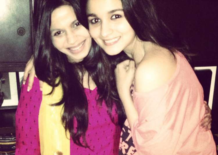 Alia celebrates Shaheen's birthday- India Tv