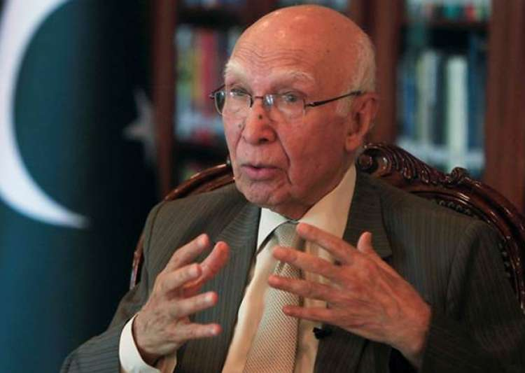 File pic of top Pak diplomat Sartaj Aziz- India Tv