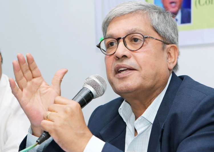 File pic - Veteran journalist Dileep Padgaonkar dies - India Tv