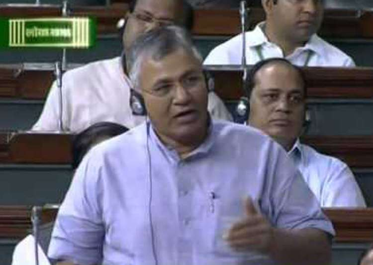 Minister of State for Law P P Chaudhary in Lok Sabha - India Tv
