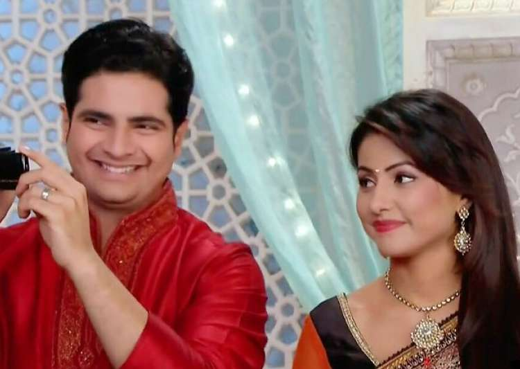 Karan Mehra talks about Hina Khan's exit from 'Yeh- India Tv