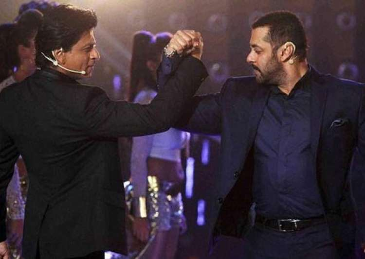 Salman proves love for SRK once again- India Tv