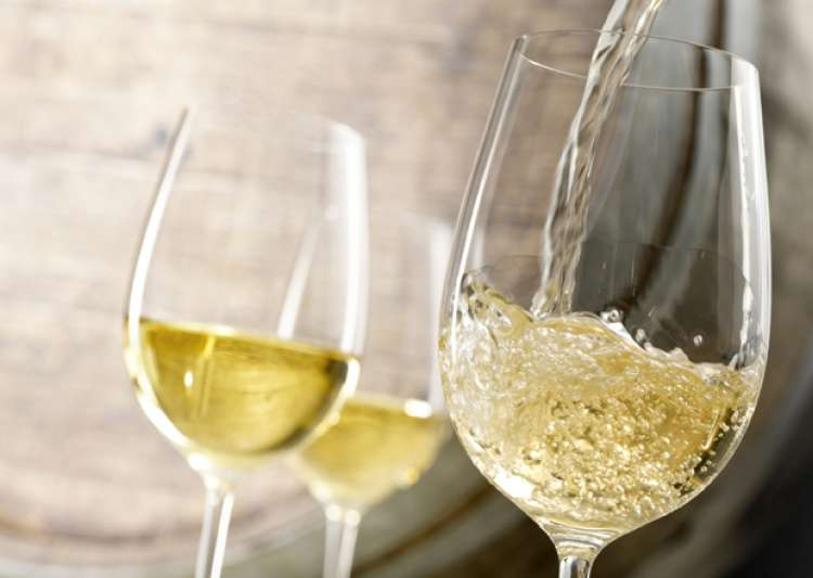 White wine may increase risk of skin cancer: Research- India Tv
