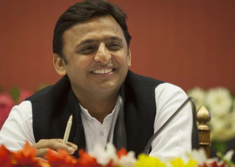 EC has ruled in favour of Akhilesh Yadav awarding him the