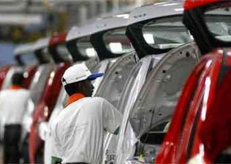 Demonetisation drags auto sales to 16-year low in December
