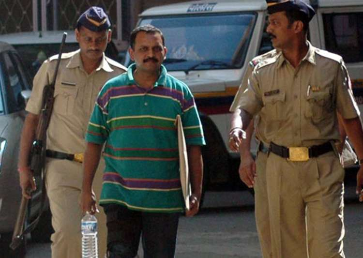 Purohit today accused Maharashtra ATS of fabricating- India Tv