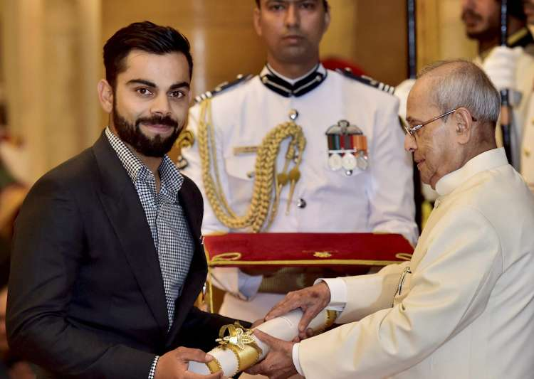 Virat Kohli receives Padma Shri award at Rashtrapati Bhavan