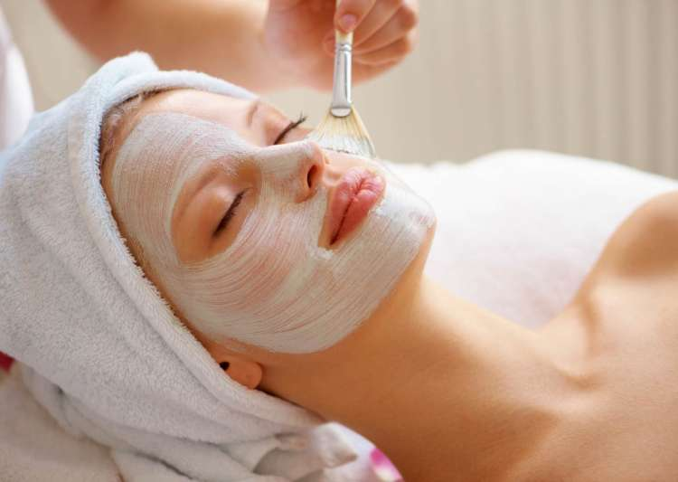 Never make these 7 mistakes after getting a facial done - India Tv