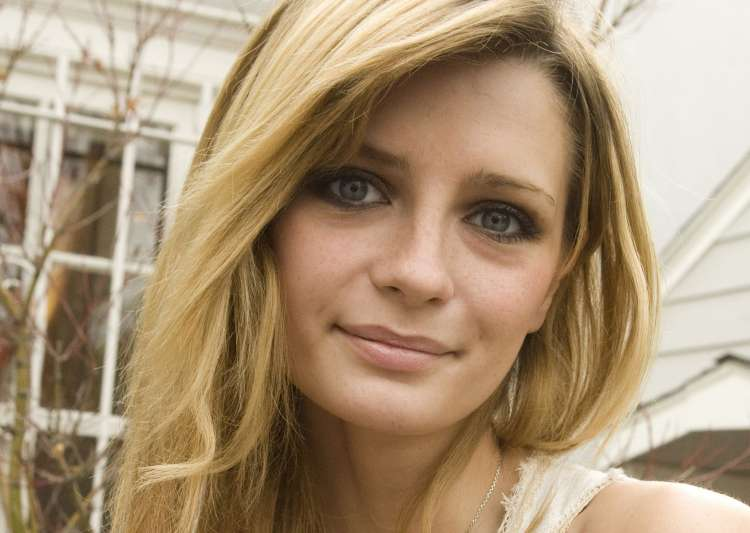 Mischa Barton- India Tv