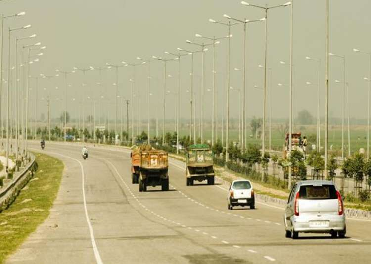 Govt approves six-laning of Handia-Varanasi section of NH-2- India Tv