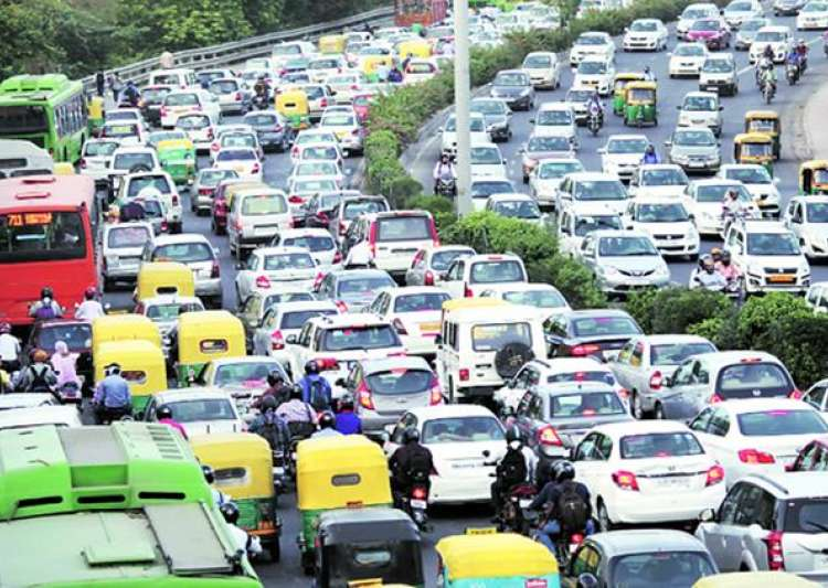 Delhi traffic situation alarming & Delhi police failed to- India Tv
