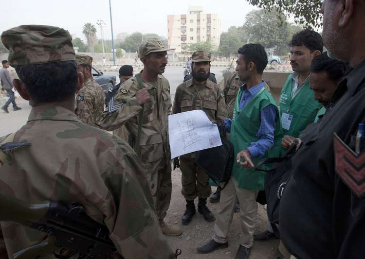 Two lakh soldiers deployed for Pakistan's first census in- India Tv