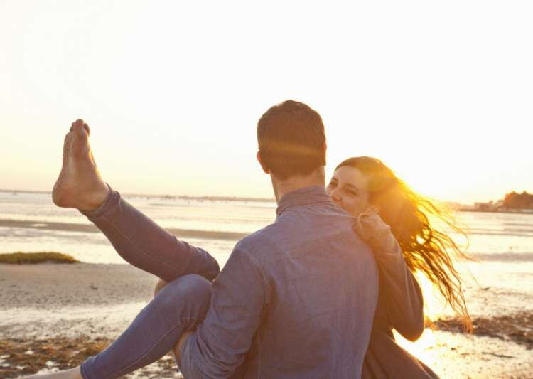 These 7 expert tips can prevent your relationship dying a- India Tv