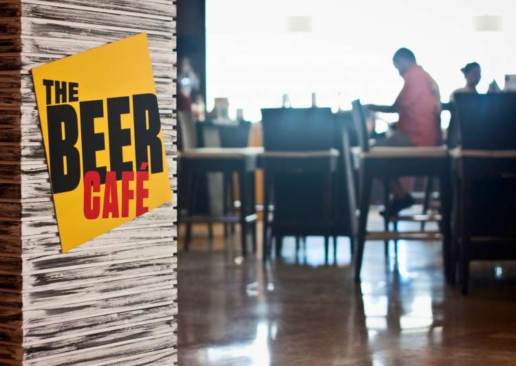 This café in Delhi is selling beer at just Rs. 5 - India Tv
