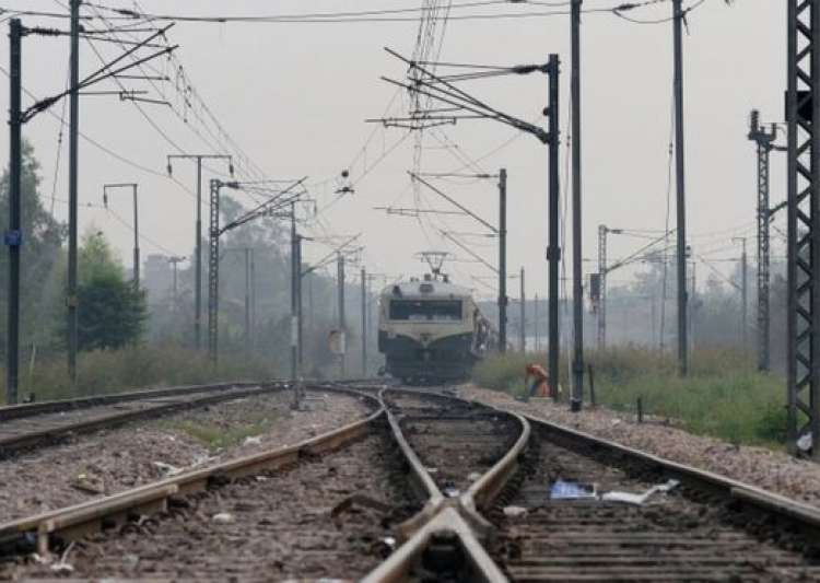 Railway authority issues guidelines - India Tv
