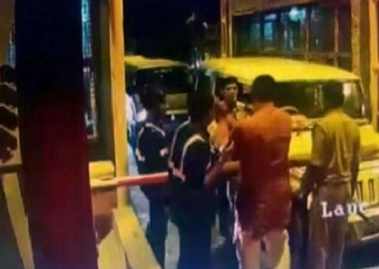 UP BJP MLA creates ruckus on toll plaza, slaps staffer- India Tv
