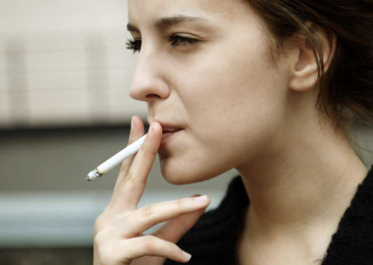 Dear women, please stop smoking. It may increase your heart- India Tv