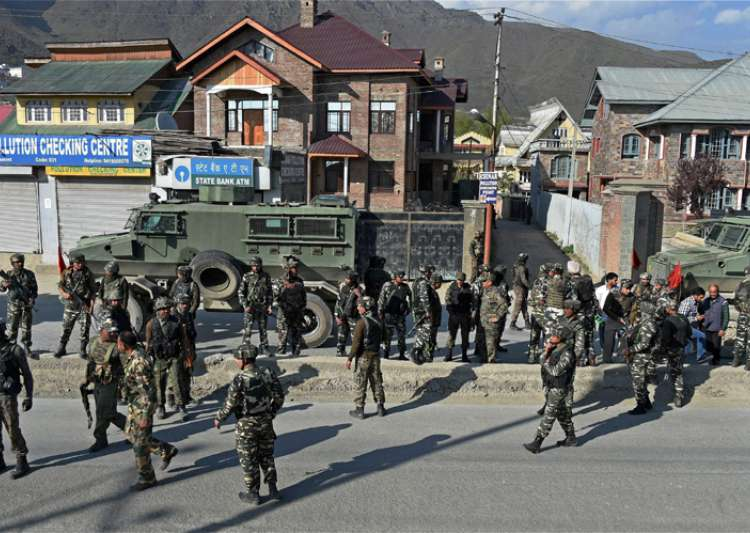 Militants today attacked a CRPF convoy in Srinagar- India Tv