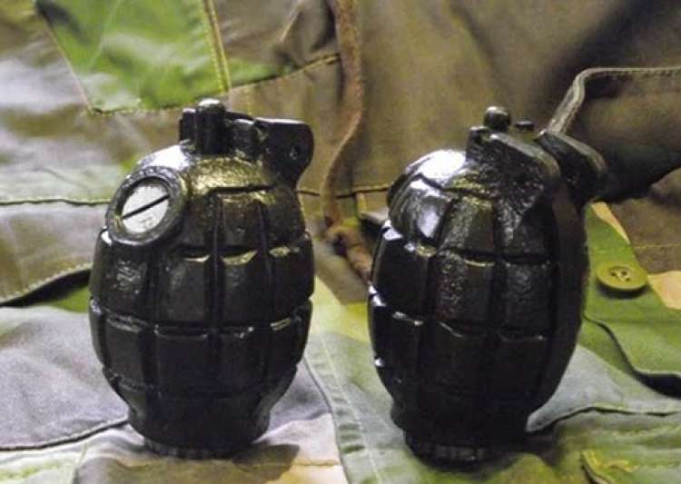 Army jawan held with 2 live grenades at Srinagar airport- India Tv