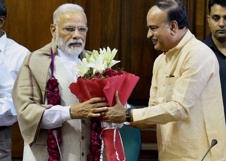 PM being greeted by Ananth Kumar to thank him for passage- India Tv