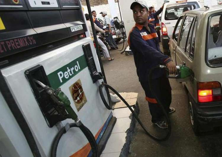 Petrol pump dealers defer protest against daily price- India Tv