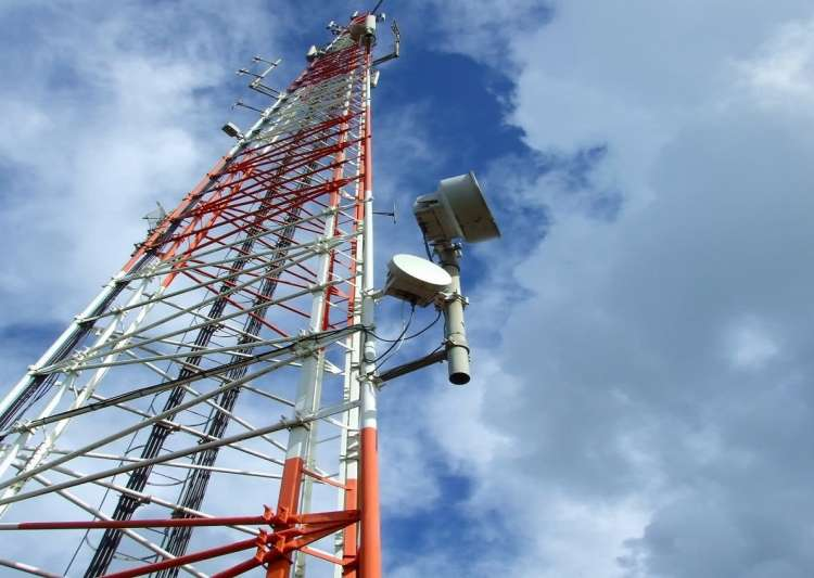 SC shuts down cell tower after man claims its radiations- India Tv