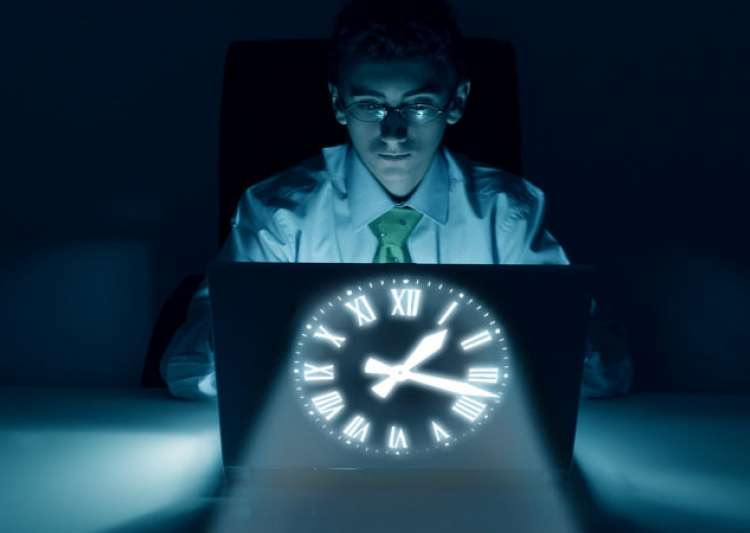 How night shifts can be bad for your liver - India Tv