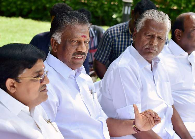 AIADMK merger gets delayed over differences between EPS and OPS