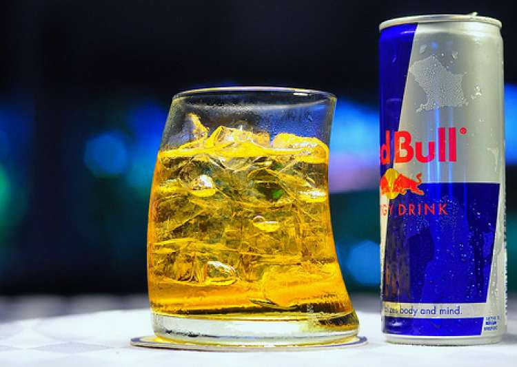 Mixing energy drinks with alcohol makes people believe they are more 'drunk'