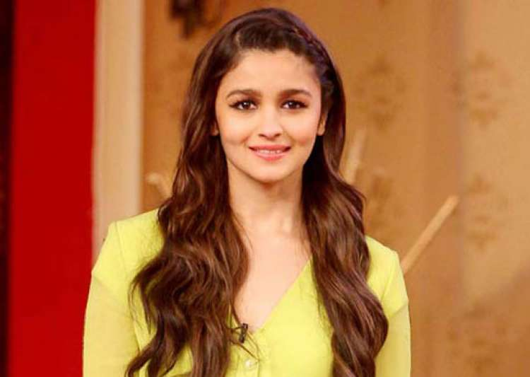 Alia Bhatt opted out from Anand L. Rai's next? - India Tv
