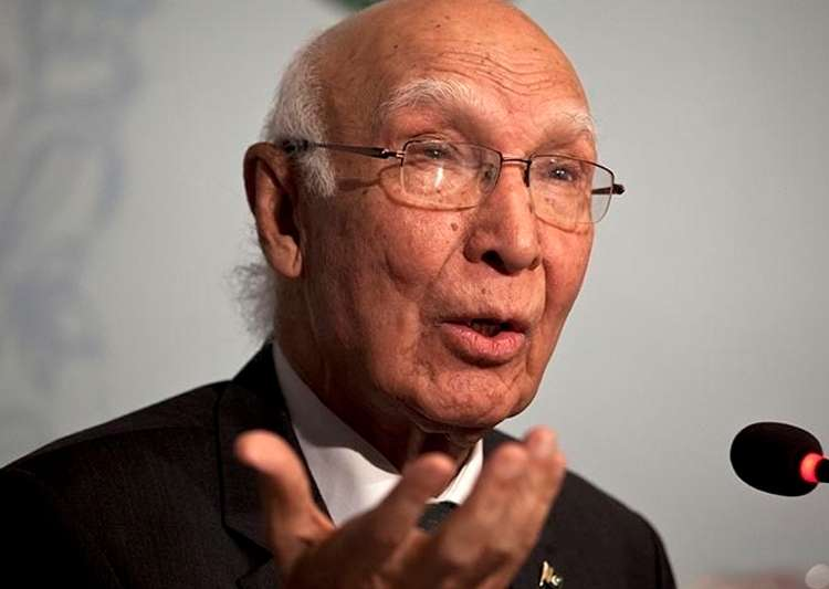 File pic of Pak diplomat Sartaj Aziz- India Tv
