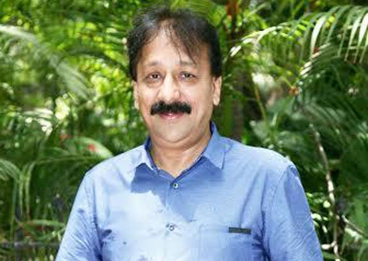 ED raids premises of Congress leader Baba Siddique in SRA scam