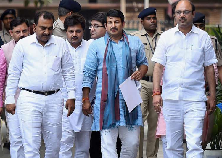 Manoj Tiwari leads the BJP delegation after lodging a- India Tv