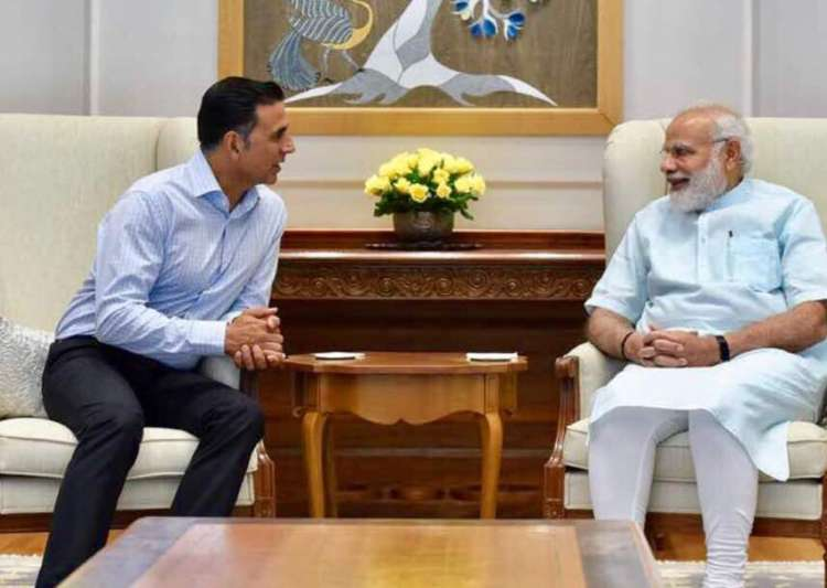 Akshay Kumar meets PM Modi: His smile at Toilet Ek Prem