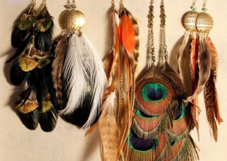 4 useful tips to maintain your feather jewellery - India Tv