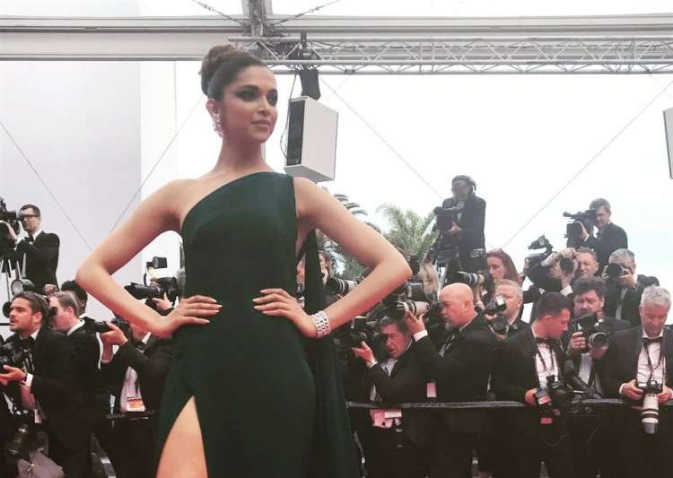 Deepika in a green gown- India Tv