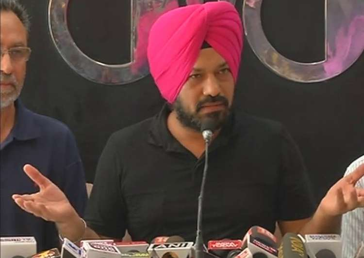 Gurpreet Singh Ghuggi resigns from AAP- India Tv