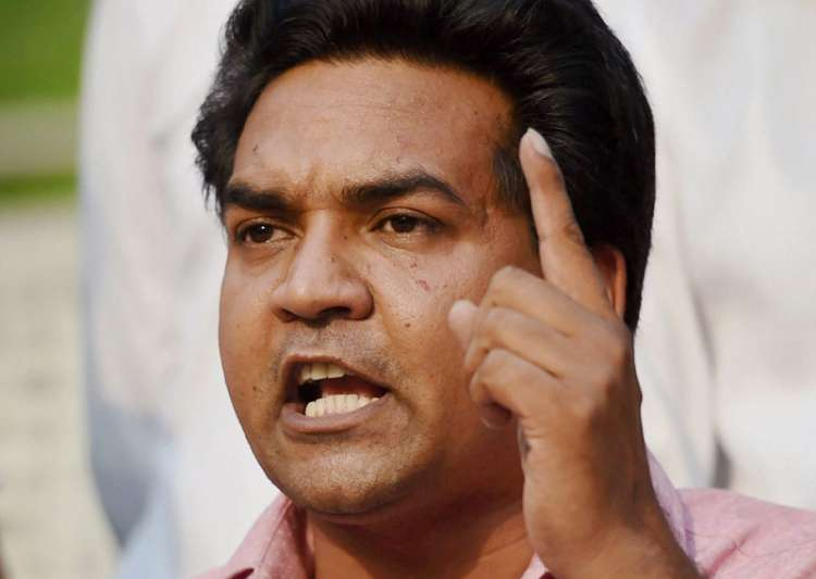 Man creates ruckus at Kapil Mishra's hunger strike, AAP denies link