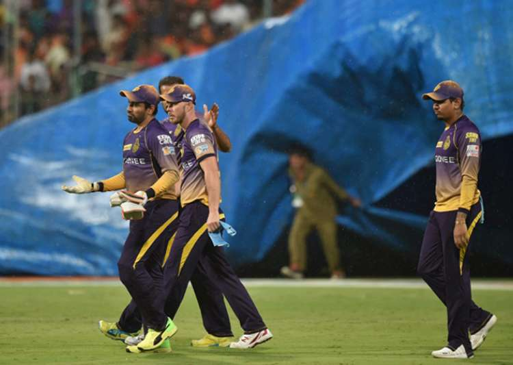 Kolkata restrict Hyderabad to 128/7 in eliminator- India Tv