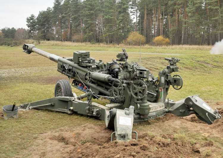 Ending three decades of howitzer draught India gets first artillery guns