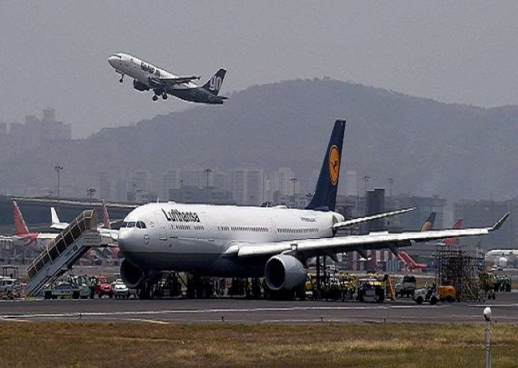 Mumbai is world's busiest single-runway airport - India Tv