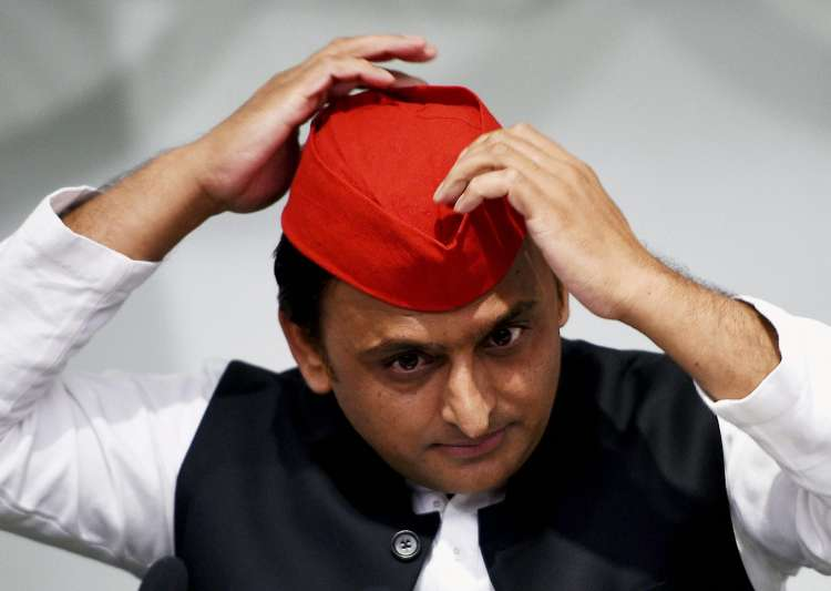 Akhilesh Yadav stirs controversy with remarks on martyrs - India Tv