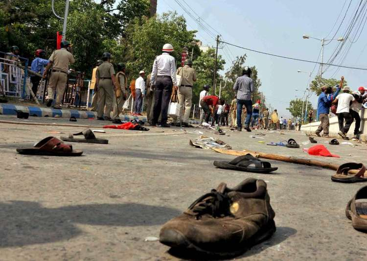 100 Left workers, 79 cops injured in clashes during protest