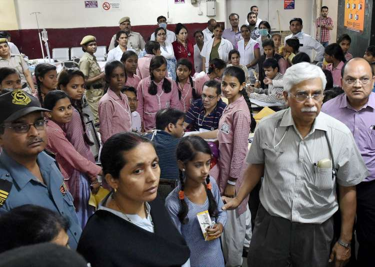 Schoolgirls being treated at a hospital in New Delhi after- India Tv